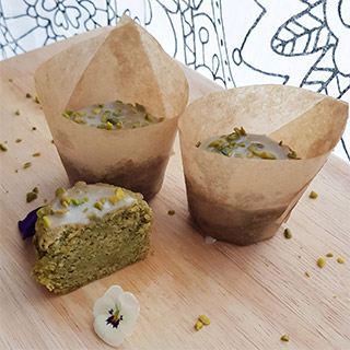 Pistachio Cupcakes - Green Vegan Delight